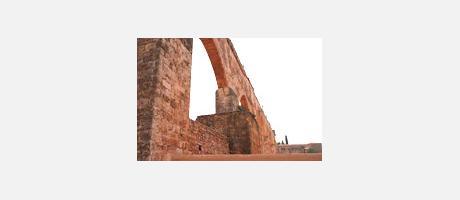 Img 2: GOTHIC AQUEDUCT OF THE CARTUJA DE PORTACELI