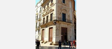 Img 1: THE VESTUARIO HOUSE
