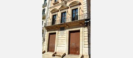 Img 2: THE VESTUARIO HOUSE