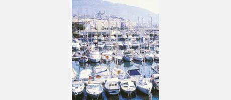 Imagen del puerto de Altea