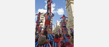 La Muixeranga, con sus torres humanas en la Plaza Mayor