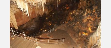 Img 1: Visitas a la cueva del Rull