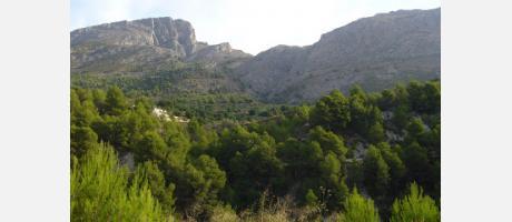 Img 1: Walking to la Serrella
