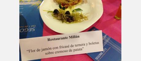 """Flor de jamón con fricasé de ternera y boletus sobre cremoso de patata"""