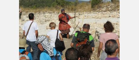 Visita teatralizada al yacimiento íbero del Puig en Alcoi