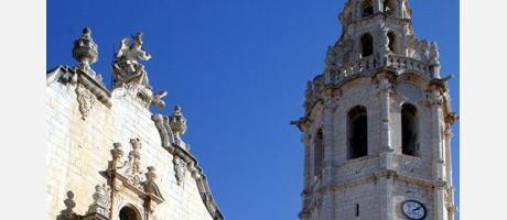 La plaza y el campanario