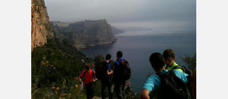 senderismo por los acantilados con Xàbia Activa en Benitatxell