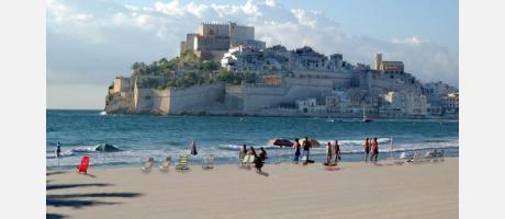 Playa y castillo de Peñíscola