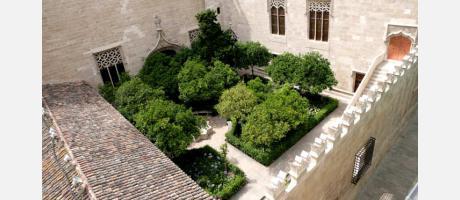 Lonja de la Seda en Valencia - patio naranjos