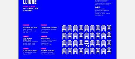 Cartel de Cinema al MUVIM, cine al aire libre con fondo azul y las películas