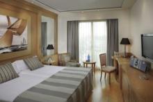 Hotel Las Arenas, Exklusivität direkt am Strand von Valencia