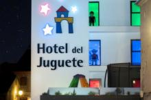 Go back to be boy in Hotel del Juguete in Ibi