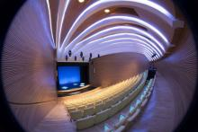 The Queen Sofía Arts Centre, spectacular on the outside and pure emotion inside