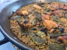 Learn to cook paella Valencian in a privileged environment