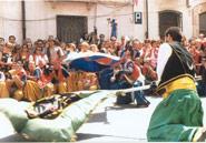 Fest der Moros y cristianos zu ehren der Mare de Déu dels Desemparats