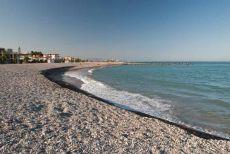 Pedrarotja Beach