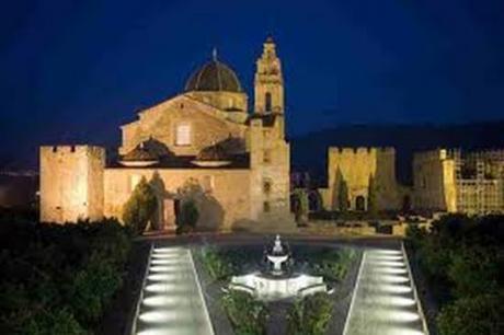 Dulce Visita Temática en el Real Monasterio de Santa María de la Valldigna de Valencia