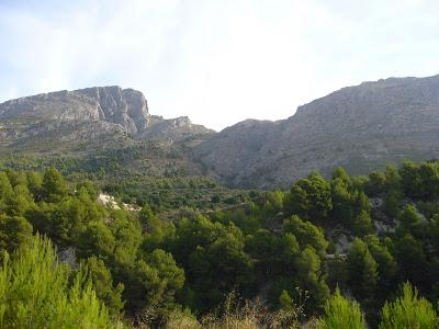 Walking to la Serrella