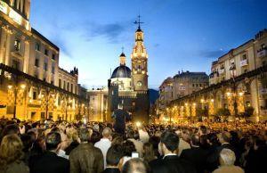 Alcoi feiert das Fest der Mauren und Christen