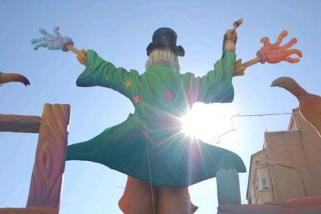 Falles in Elda, a mix of traditions from Alicante and Valencia