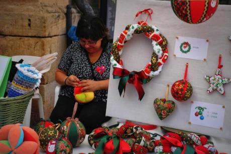 Mercat de la Terra in Xaló. Children and sweets