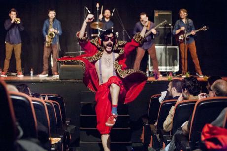 "Teatro: Guillem Albà presenta ""Marabunta"""