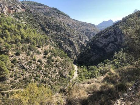 Senderismo por los pueblos blancos de la Serranía valenciana