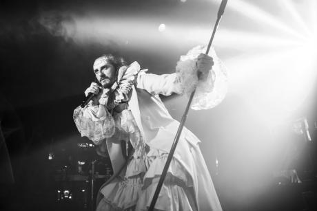 """Teatro: Asier Etxeandia y Enrico Barbaro presentan """"La transfiguración del mastodonte"""""""