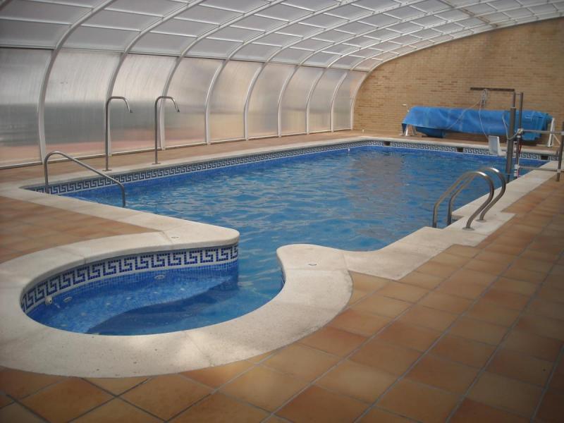 Apertura de la piscina municipal climatizada cinctorres 2018 for Piscina municipal de valencia