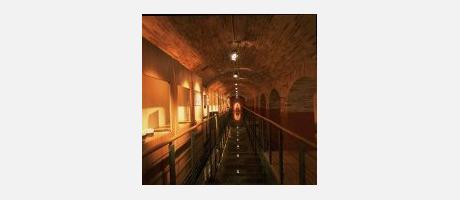 Arcos in der Ausstellungshalle Els Filtres