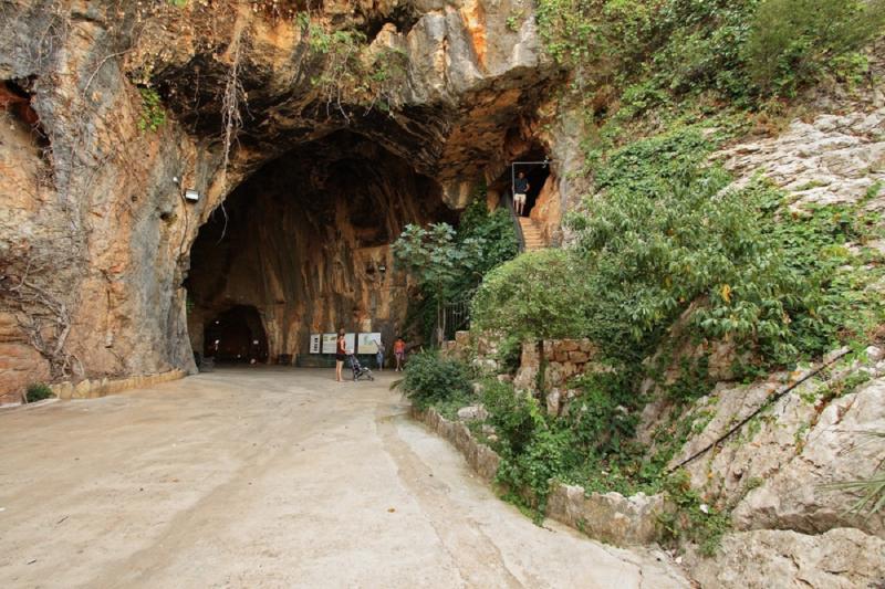 Cueva de las Calaveras 3