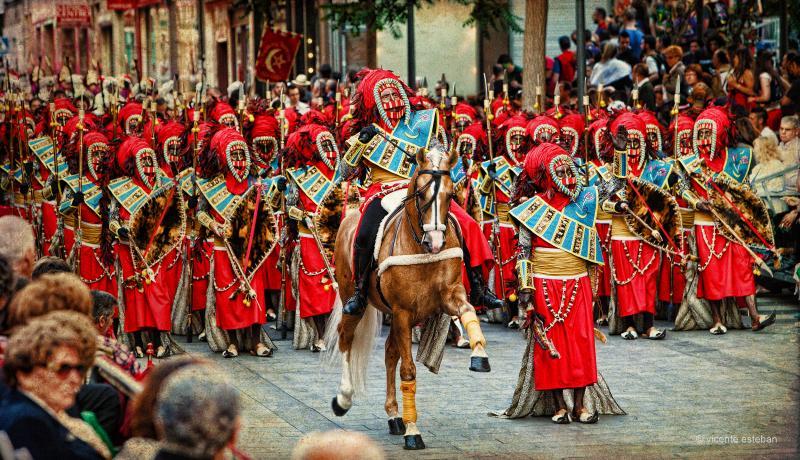 Moros y Cristianos de Elda;foto de Cruces